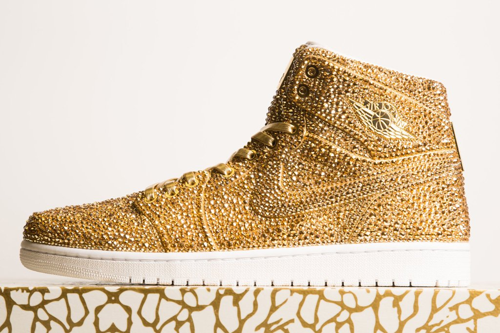 air-jordan-1-gold-thedanlife-TheLuxuryTrends