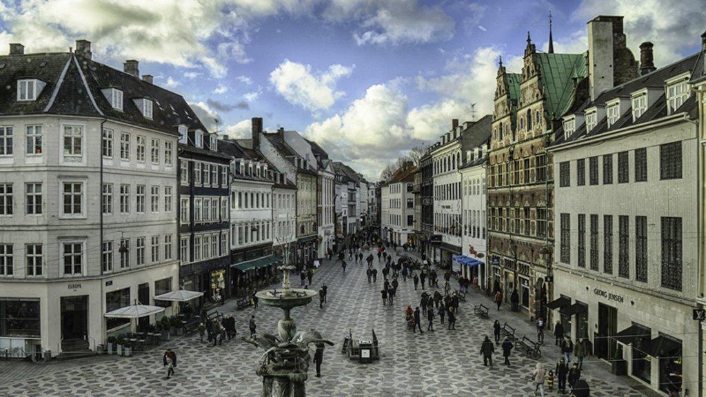Calles-Comerciales-Stroget-Copenhagen-TheLuxuryTrends