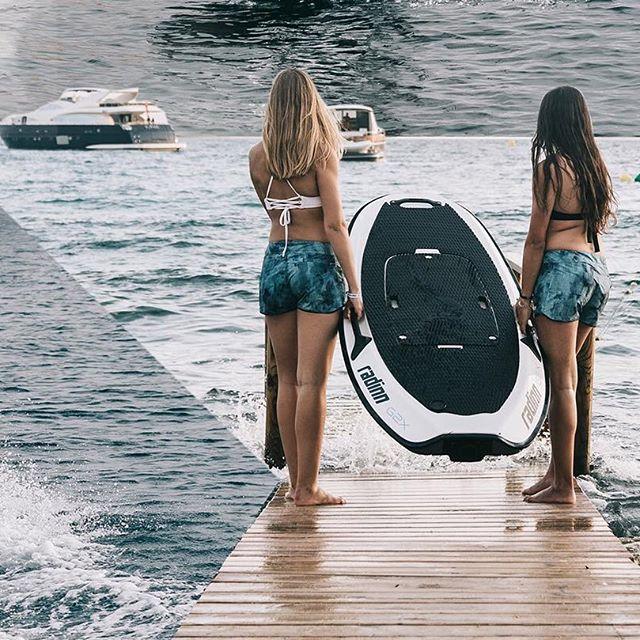 Radinn G2X, la tabla de surf que no necesita viento ni olas