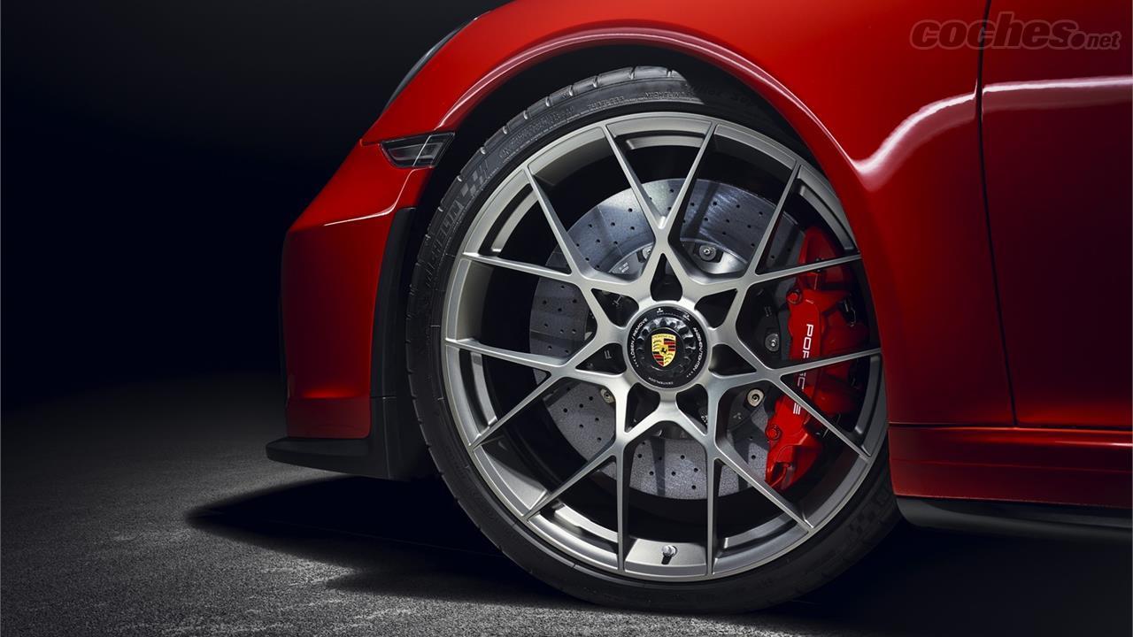 Porshe-911-speedster-llantas-TheLuxuryTrends
