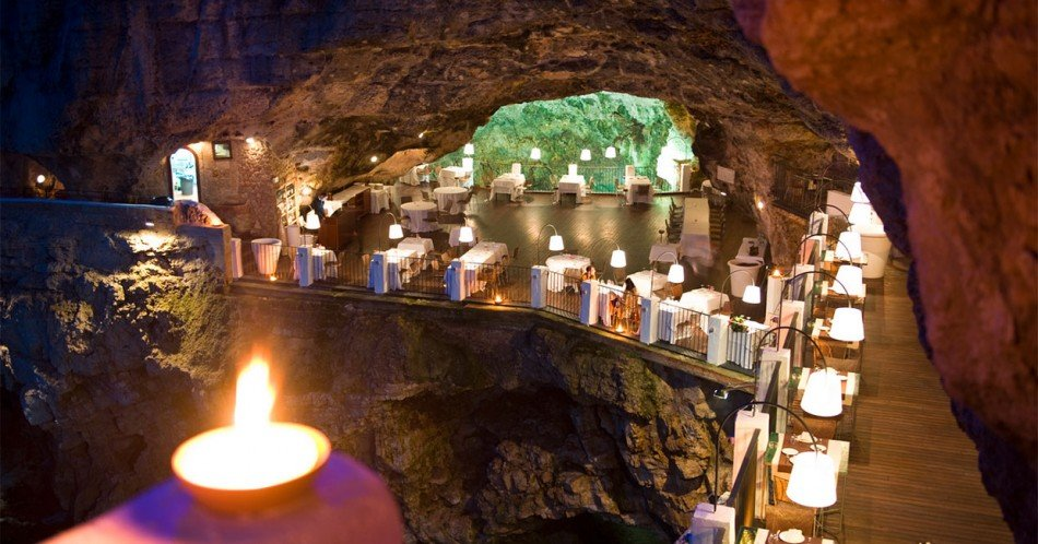 grotta-palazzese-restaurante-TheLuxuryTrends