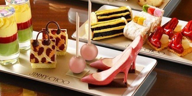 Jimmy-Choo-afternoon-tea-dulces-TheLuxuryTrends