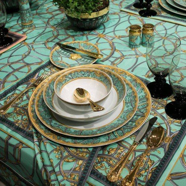 Versace-la-scala-del-palazzo-TheLuxuryTrends