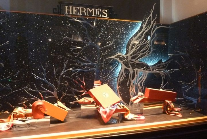 Hermes-escaparates-TheLuxuryTrends