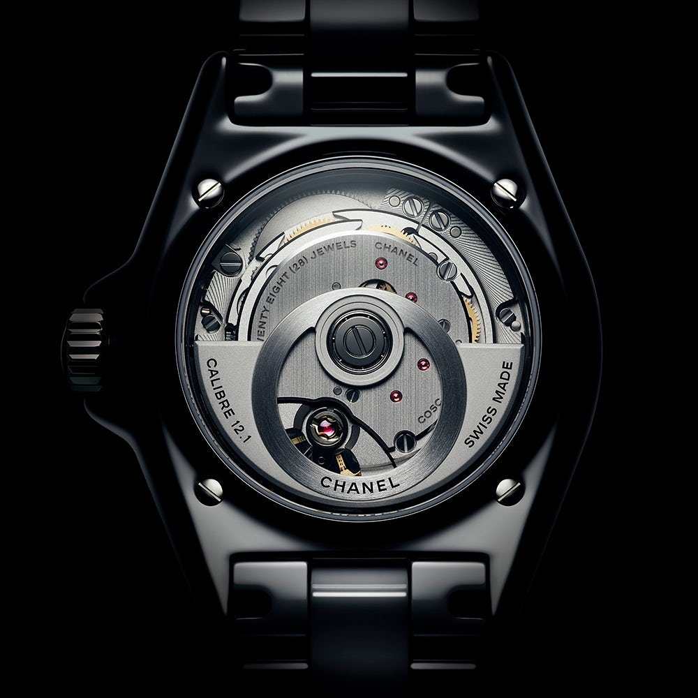 Chanel-J12-Calibre-12.1-TheLuxuryTrends