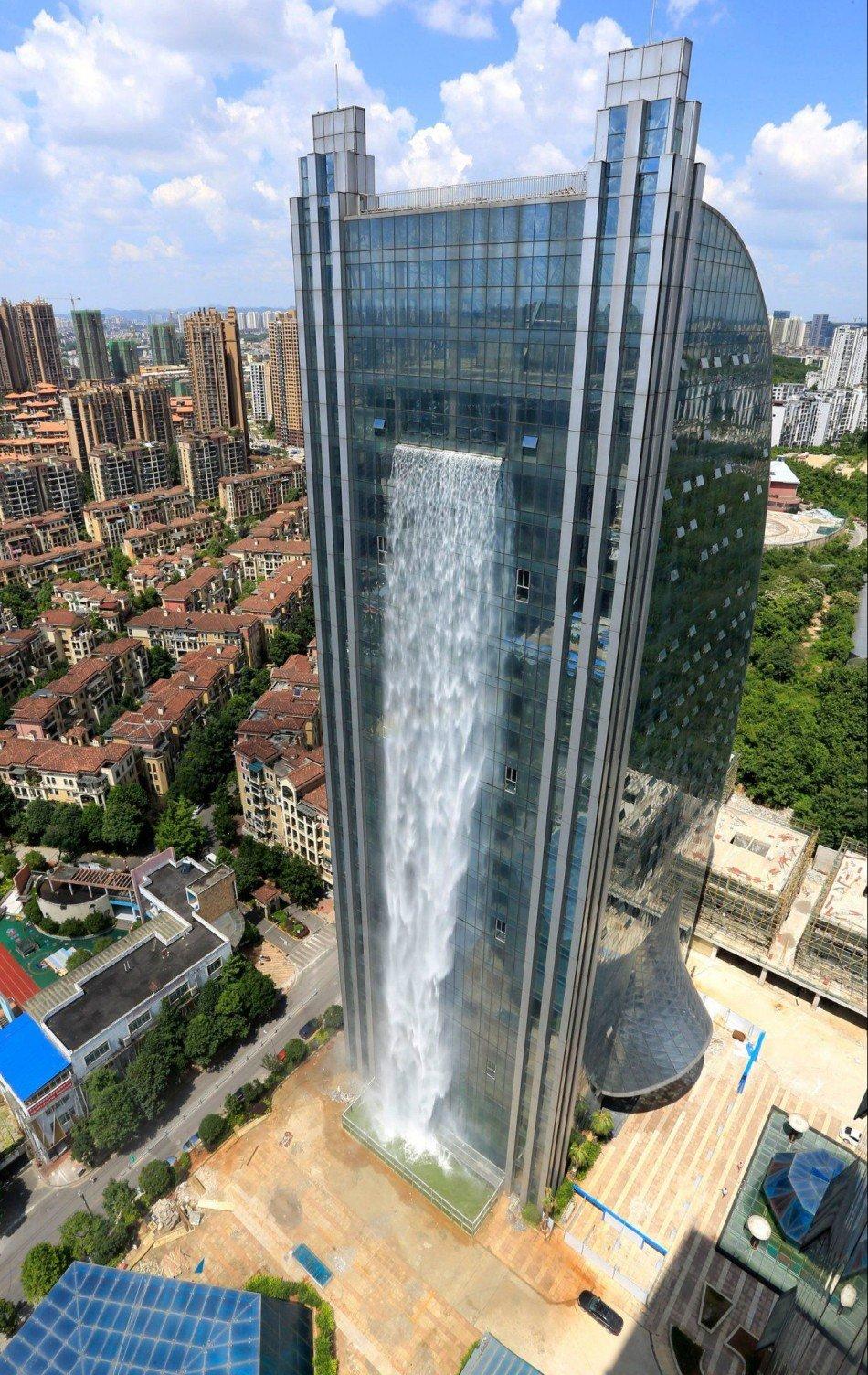 Liebian-Building-cascada-masalta-TheLuxuryTrends