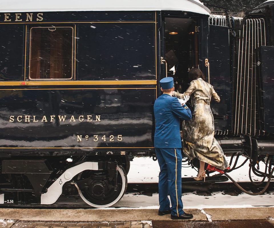 Pasajera subiendo al nuevo Orient Express
